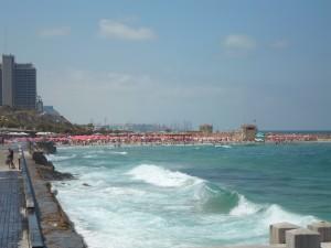 Einer der Strände von Tel Aviv (Sheraton Beach, gleich südlich des alten Hafens)
