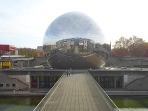 La Géode (36m Durchmesser), Paris.