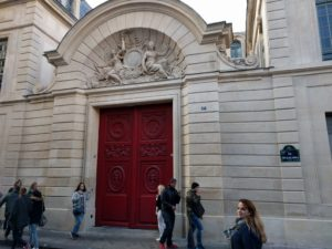 47 Rue Vieille du Temple, der klassische Doctor Who Fan sollte das wissen ...
