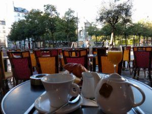 Frühstück irgendwo in der Nähe der Les Halles.