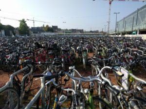 Fahrräder, ganz viele Fahrräder.