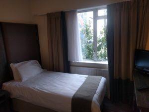 Schon wieder ein Hotelzimmer.