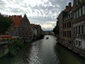 Gent, Belgien, Erde, Sonnensystem, Milchstraße, Lokale Gruppe, Virgo-Superhaufen, Beobachtbares Universum.