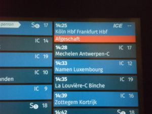 """Bruxelles-Midi nach Frankfurt wurde """"Afgeschaft""""."""