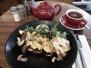 Frühstück im Local hero.
