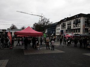 Straßenwahlkampf (v.l.n.r. SPD, Die Grünen, Die Linke)