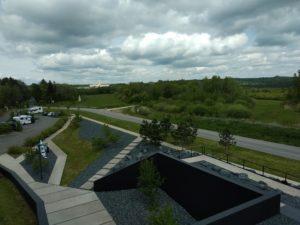 Beinhaus von Douaumont vom Dach des Mémorial de Verdun.
