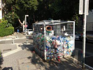Mülltrennung, hier: Plastik