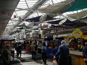Greenwich Market (rechts: Fudge, nicht im Bild, links: libanesisches Essen)