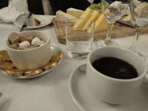 ... und endet mit Kaffee.