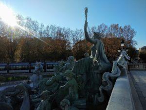 Monument aux Girondins auf dem Place des Quinconces.
