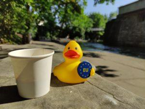 Einfach Kaffee mit Ente am Schanzengraben.