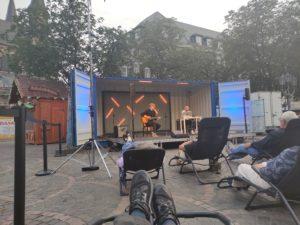 2 Rauschen, Theatercontainer auf dem Münsterplatz.