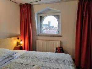 Room & Moore. Zimmer mit Aussicht.